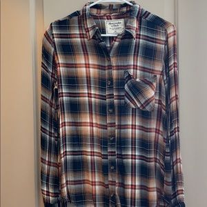 Abercrombie & Fitch button up top. Size Medium.